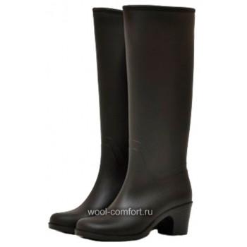 Резиновые сапоги черные на каблуке