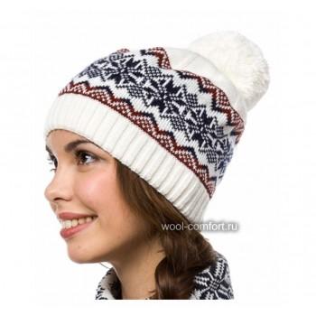 Шапка женская со снежинками